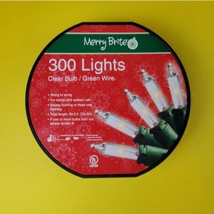 Merry Brite Christmas 300 Lights Clear bulb 60.5 f